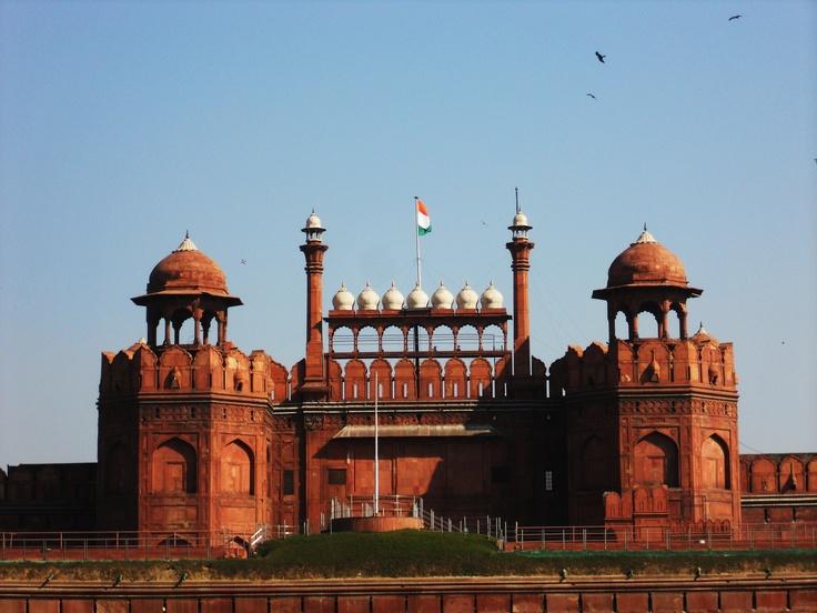 Enjoy the Historical Monuments on Delhi Heritage Tours