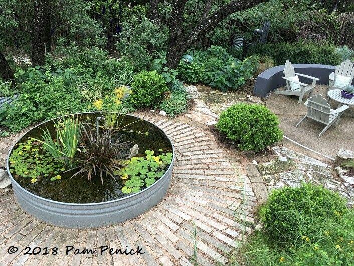 Garden Of Pam Penick Austin Texas Small Garden Design Garden Design Small Garden