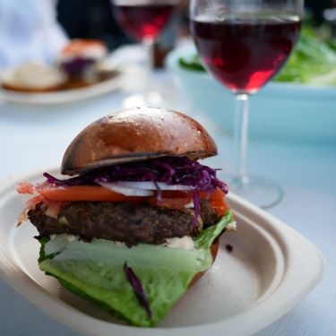 Smaka på Stockholm i Kungsträdgården – en av världens största matfestivaler där flera av landets främsta kockar, restauranger och food trucks samlas.