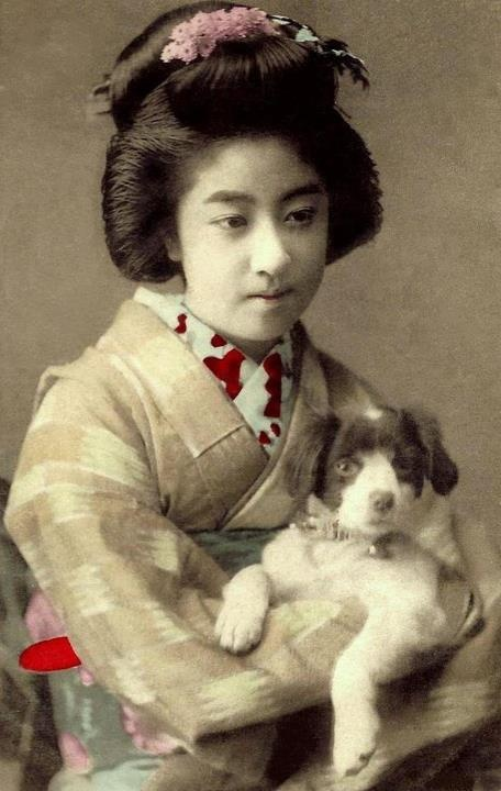 Vintage Photographs of Manryu. One of the most popular Geisha in Japan during the last years of the Meiji-era - Early 20th Century