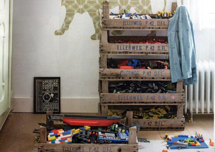 #oude veilingkisten#stapelbaar#gaasbak ideaal voor het opbergen van speelgoed. Toch veel beter dan die kunststof opbergdozen!