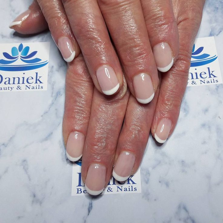 French manicure: Wolken Wit, Baby Pink & French Pink.
