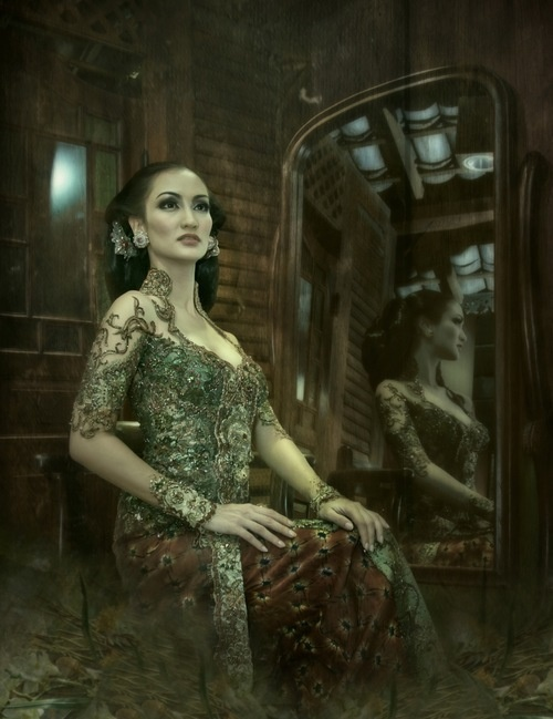 Anne Avantie - Kebaya