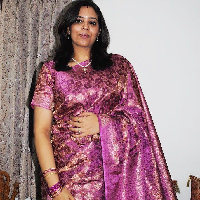 Back in the day a lovely onion pink and purple #benarasi saree. I had no clue what to do with my makeup but the saree is gorgeous!! #throwback to #sareelove . . . . . . #blogger #IndianEditLook #pinksaree #silksaree #benarsisilk #zarisaree #classicsilhouette #indianwear #ethnicthreads #throwback
