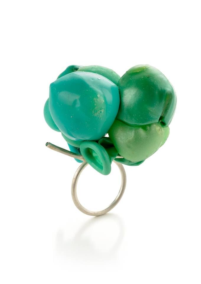 Federica Sala (Alchimia) - Plastic balloons converted into contemporary jewellery - Upcyclista