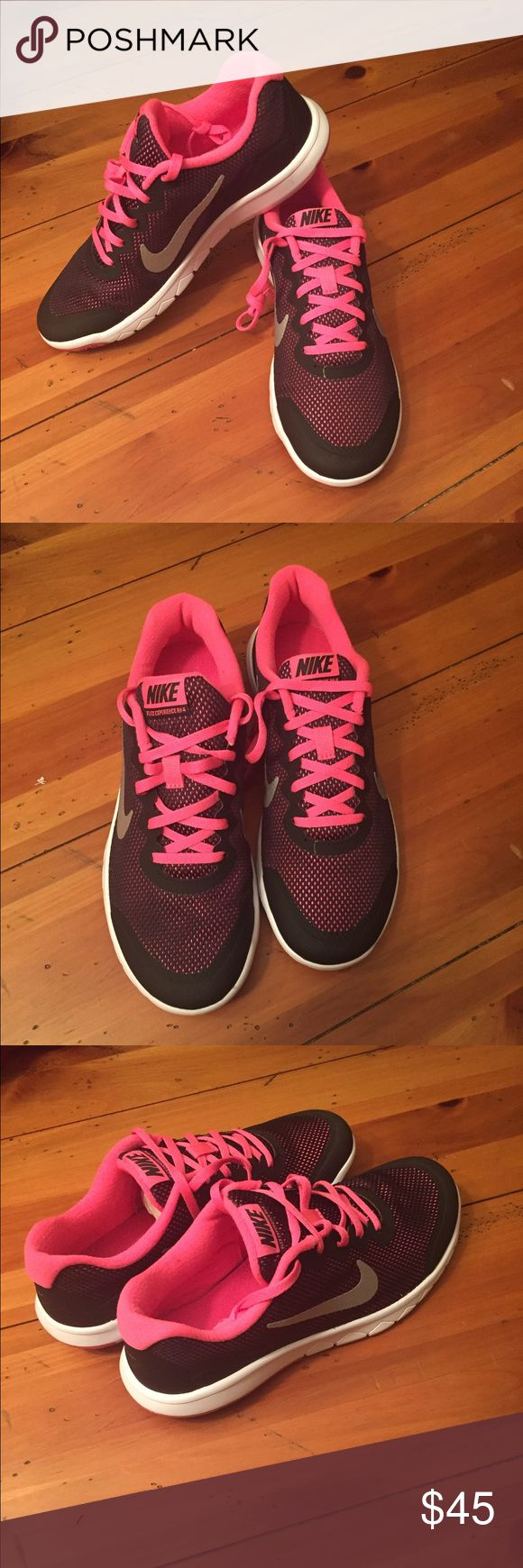 New Nike running shoes 🏃🏽‍♀️🏃🏽‍♀️ Brand new Nike shoes no box size 6y. Could easily fit woman's size 7. Please look at your CM size on your shoe can compare to the one on the picture. For accurate measurements. Any questions please let me know 😊 Nike Shoes Sneakers