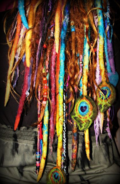 peacock dreads! Whoa....even though this will never happen on my head, it is a beautiful pc of art.