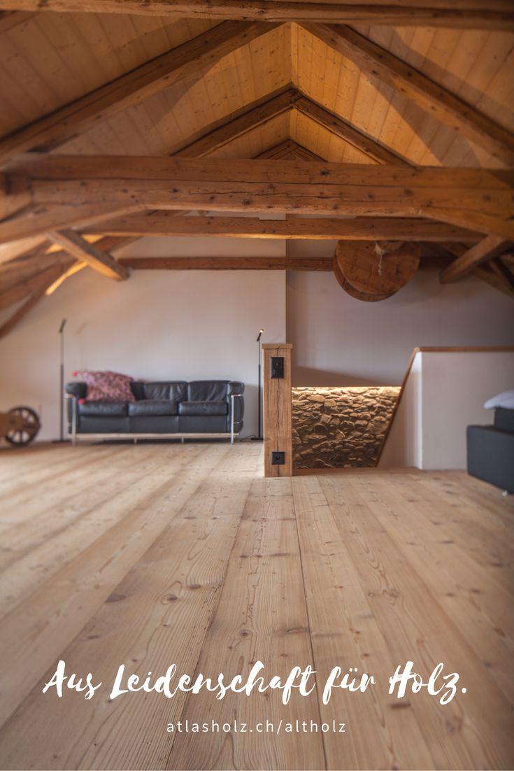 Fürstliche Maxi-Dielen Altholz Fichte/Tanne Farbton 004, gebürstet und das Dach mit Original Altholzbalken gebürstet