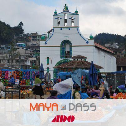 """En San Juan Chamula, #Chiapas se lleva a cabo la celebración """"El K´ Santo o Fiesta de Todos los Santos. Celebra el #DíaDeMuertos en este Pueblo Mágico. Consulta horarios y promociones en www.ado.com.mx"""