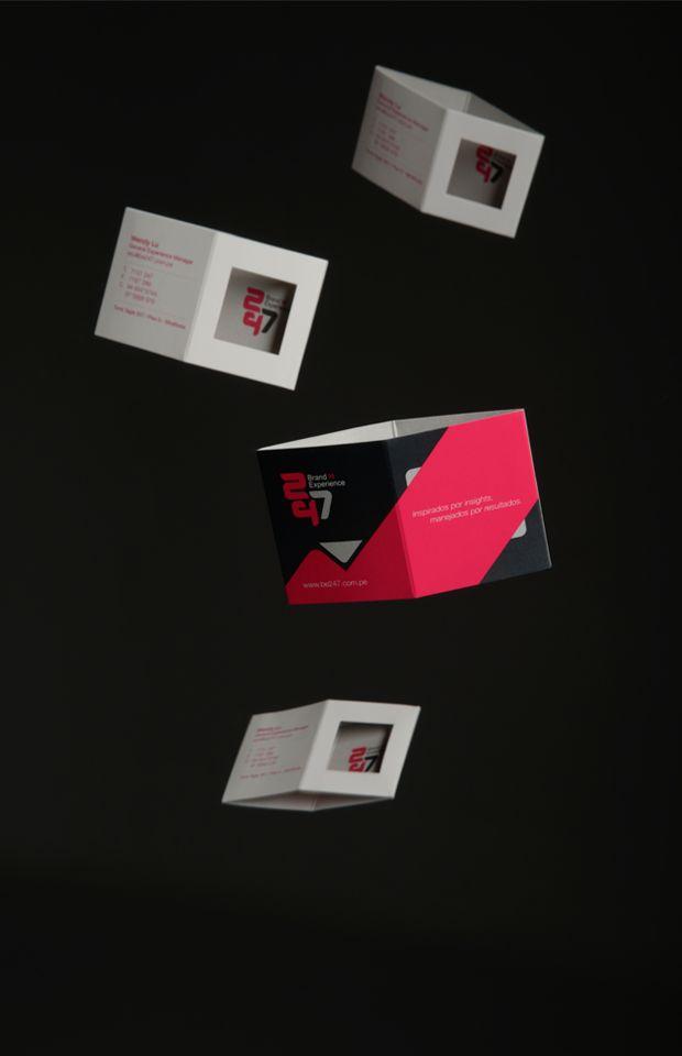 Identidad de marca 247 Brand Experience.