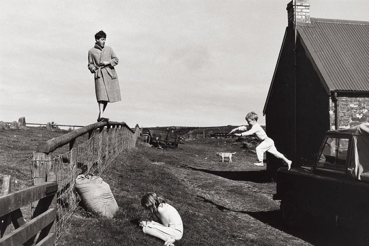 Paul, Stella and James; shot by Linda McCartney, Scotland 1982