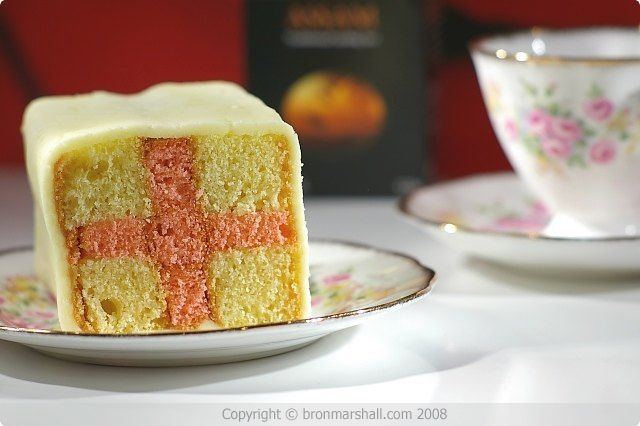 Because an Englishman is hosting this party, so I guess I need to make something for him... ;)