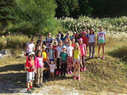 Ορειβατικός Σύλλογος Καρδίτσας - Παιδική ορειβατική κατασκήνωση από τον ΕΟΣΚ http://bit.ly/2y7zxX7 Με μεγάλη επιτυχία ολοκληρώθηκε για δεύτερη συνεχόμενη χρονιά η παιδική ορειβατική κατασκήνωση που οργάνωσε ο Ελληνικός Ορειβατικός Σύλλογος Καρδίτσας (ΕΟΣΚ) στην περιοχή της λίμνης Πλαστήρα.  Είκοσι οχτώ μικροί φίλοι ηλικίας από 6 μέχρι 17 χρόνων συμμετείχαν στην τριήμερη κατασκήνωση στον χώρο του ορειβατικού καταφυγίου Ελατάκος στα 1456 μέτρα υψόμετρο σ ένα πανέμορφο τοπίο στις παρυφές των…