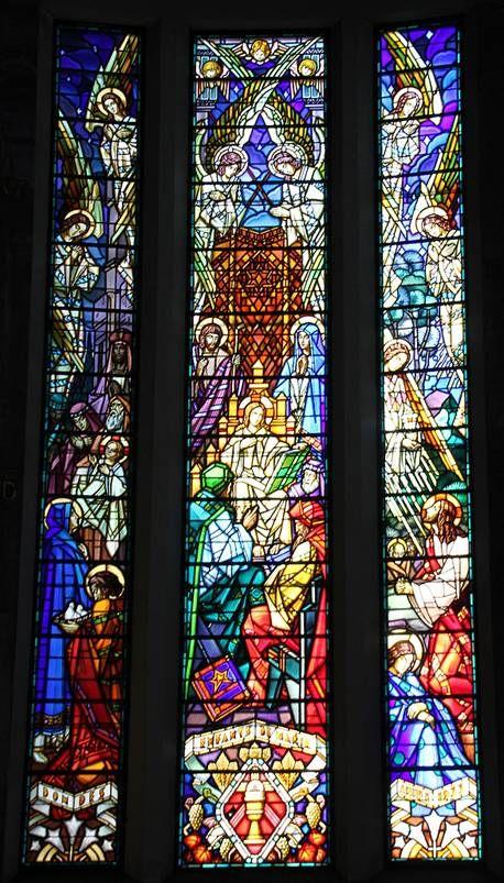 Vitraux de l'Eglise Notre-Dame-des-Malades - Vichy, Auvergne.