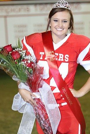 This Teen Was Crowned Homecoming Queen And Then Kicked A Field Goal - BuzzFeed News