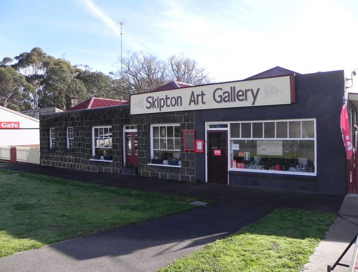 Skipton Gallery & Cafe in Skipton, VIC