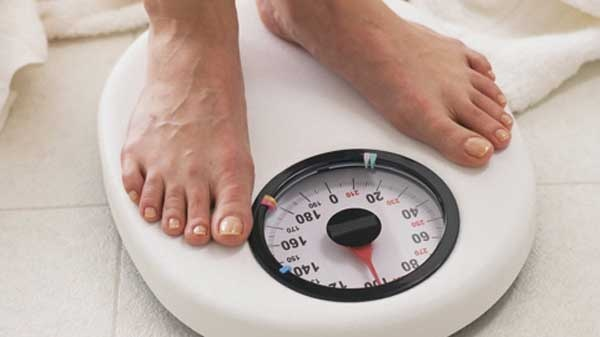 The 8 Hour Diet: Eat for 8 hours, then fast for 16.  See what a nutritionist says about it.
