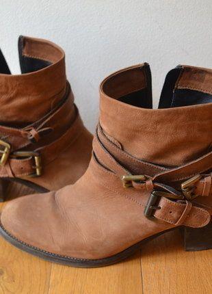 À vendre sur #vintedfrance ! http://www.vinted.fr/chaussures-femmes/bottes-and-bottines/36094063-magnifiques-tosca-blu-bottines-camel-a-talon-de-7cm