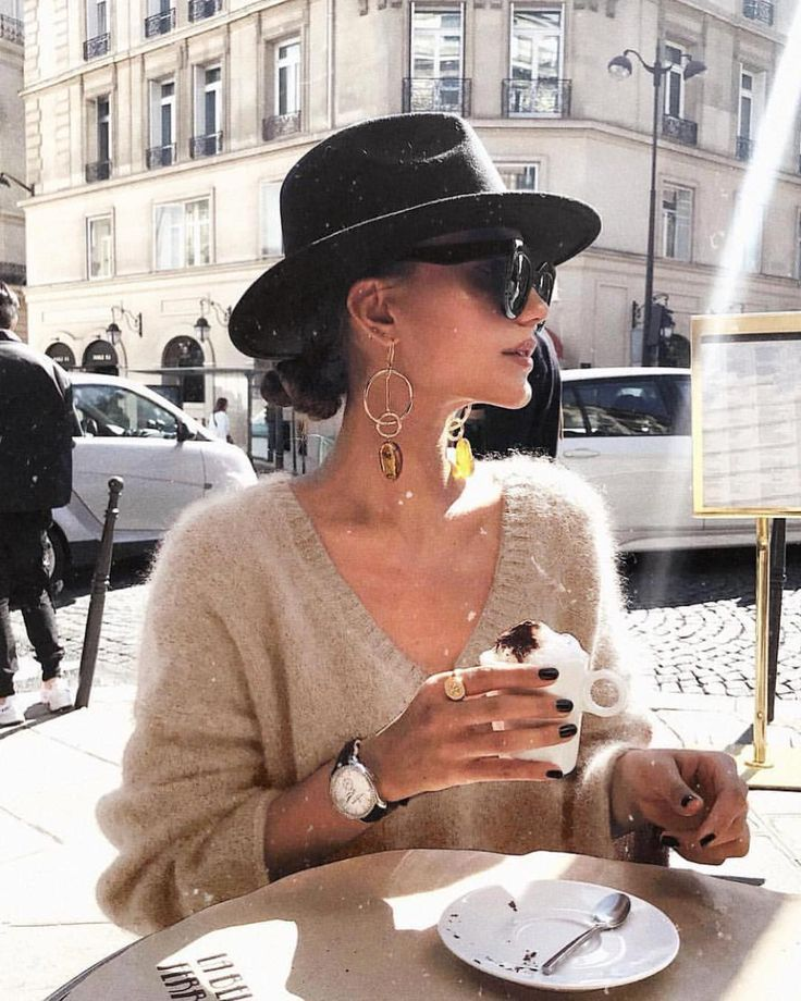The earrings, the hat, the shirt, the coffee #style #stylish #city #coffeetime #fashion #earrings