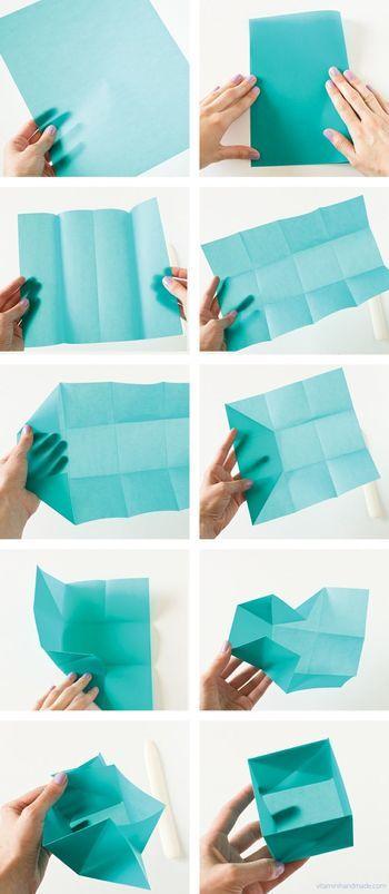 縦横の比が3:4のペーパーワックスを用意します。 正方形が12個出来るように折り目をつけて立体的に折っていきます。  中身に何を入れるかワクワクしますね。 節分の豆まきに使ってもカワイイです。