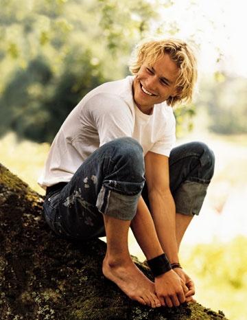 Heath Ledger. Who looks like Andy Gibb. Another one gone waaaay too soon.