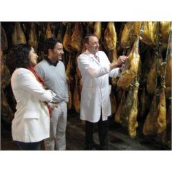 JAMONTURISMO Visita nuestras instalaciones de la mano de un experto, aprende a cortar jamon con un maestro jamonero y disfruta de una extensa degustacion de productos ibericos.