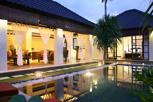 Villasinbali.com - Your guide for cheap Bali villas Hotel reservation holiday