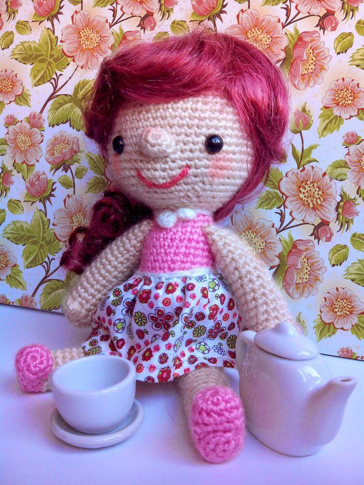 Muñeca Hello Dolly - Patrón Gratis en Español aquí: http://bertorulez.blogspot.com.es/2015/02/hello-dolly-patron.html ( descargar el patrón para verlo mejor)