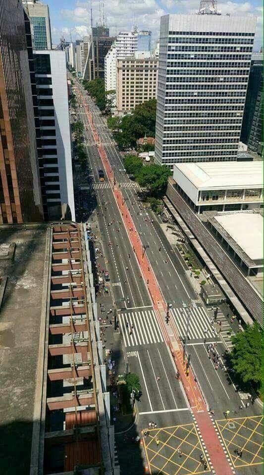 Av. Paulista SP, hj 25março 2017, domingo.