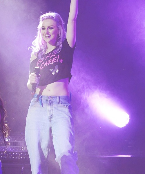 17 Best images about Perrie Edwards DNA Tour on Pinterest ...