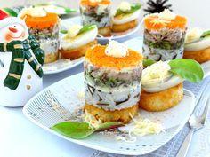 Порционный мясной салат-закуска на хлебце