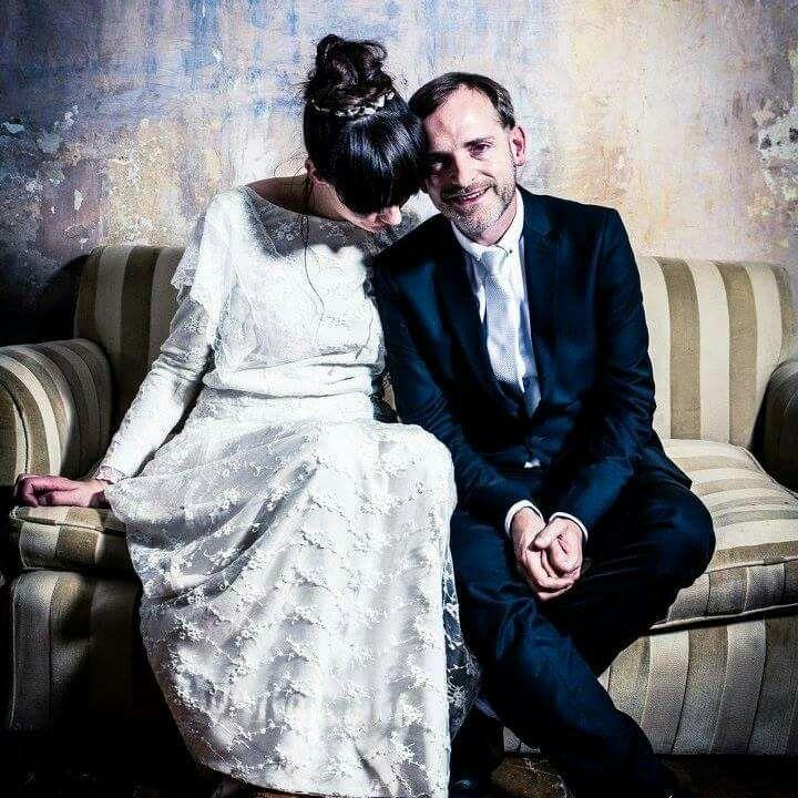 Simplicity for this quirky bride hair and makeup by @scissorsofoz #scissorsofoz