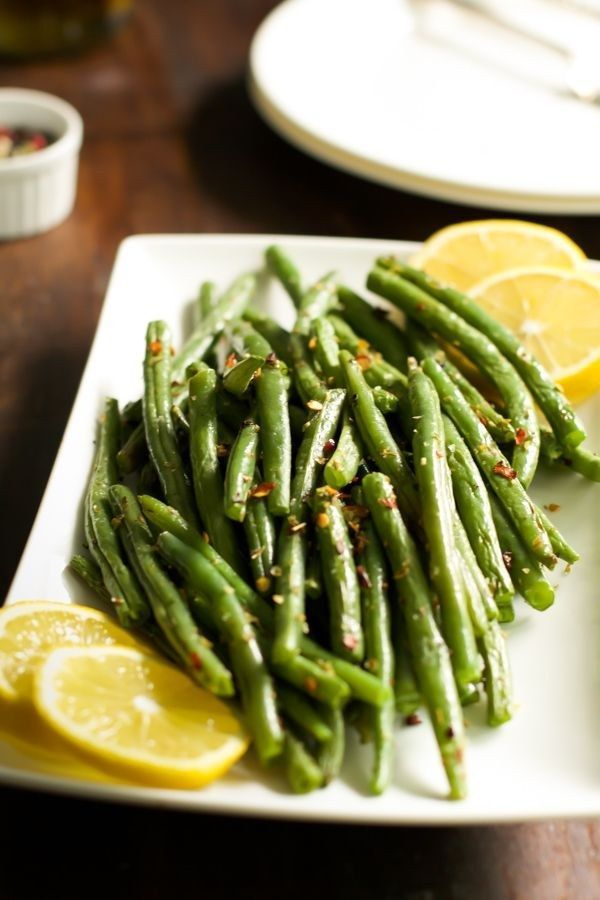 Crispy Roasted Green Beans | 24 Healthier Thanksgiving Recipes That Are Actually Delicious