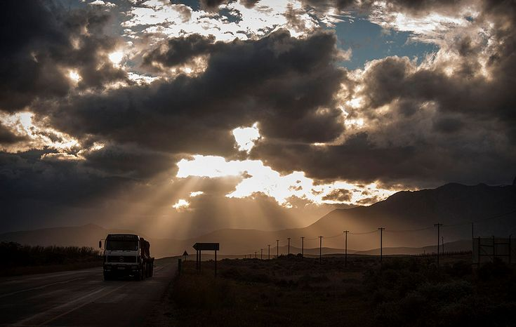 And this Robertson pic by Hassner - http://buff.ly/1GPrUUJ. #TravelChatSA #DiscoverRobertson