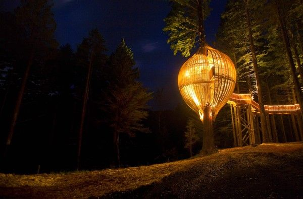 Oldie but a goodie. The Yellow Tree House. Fantastic concept and beautifully executed.