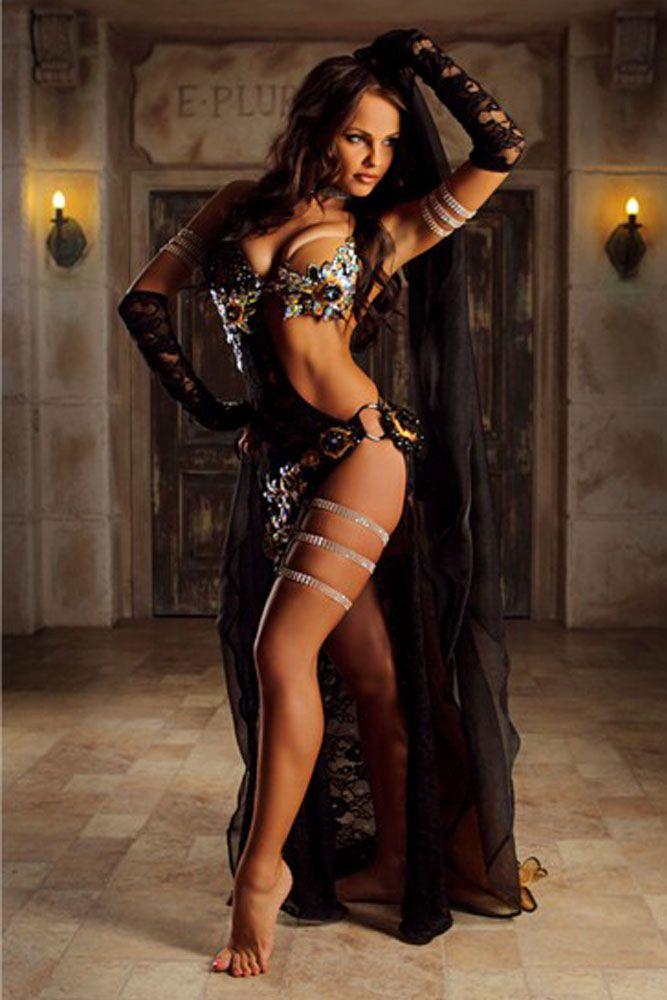 woman dancing adamation sexy jpg 1152x768