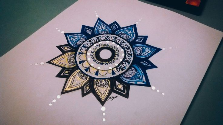 30€ MyMandala  ( Page Facebook DaisyObscure ) #draw #daisy #mandala #blue #black #yellow #grey #light #night #relax #point