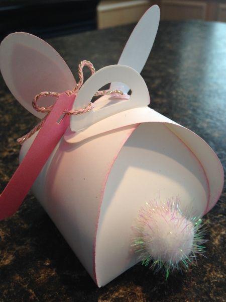 Curvy Keepsake-Bunny Behind