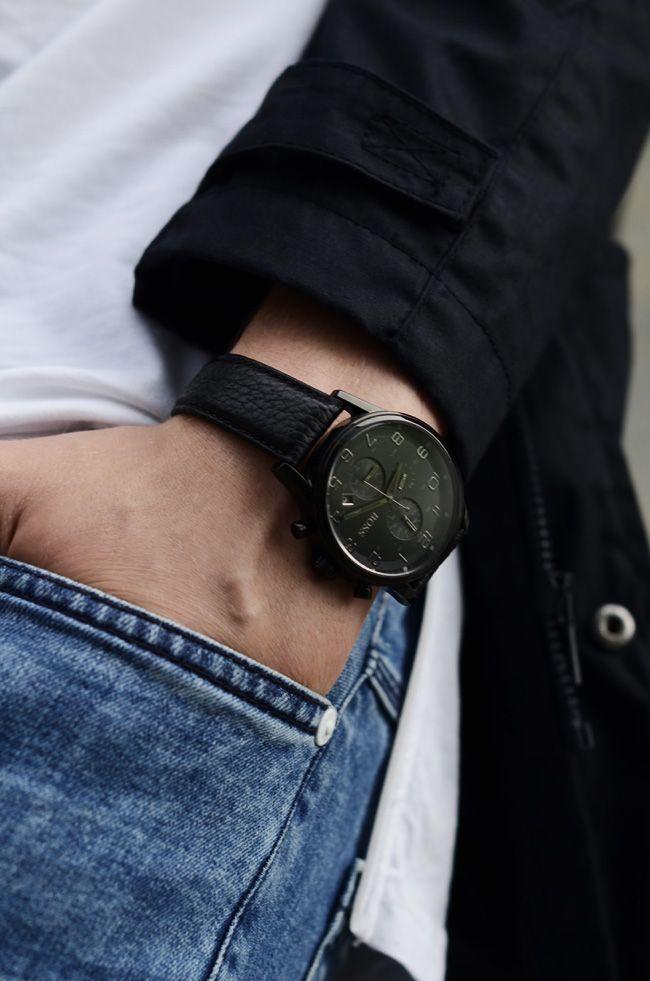 Boss w bardziej casualowej odsłonie. #hugoboss#hugobosswatch#swiss #fashion  #chill #outfit #style #watch #watches #zegarek #zegarki #butiki #swiss #butikiswiss