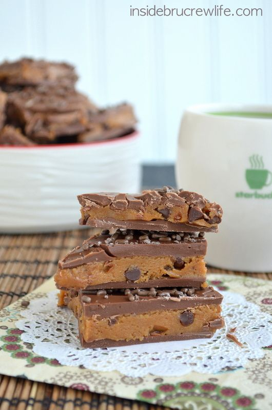 Coffee Chip Oreo Truffle Bark Recipe...these look amazing! scroll to the bottom for recipe