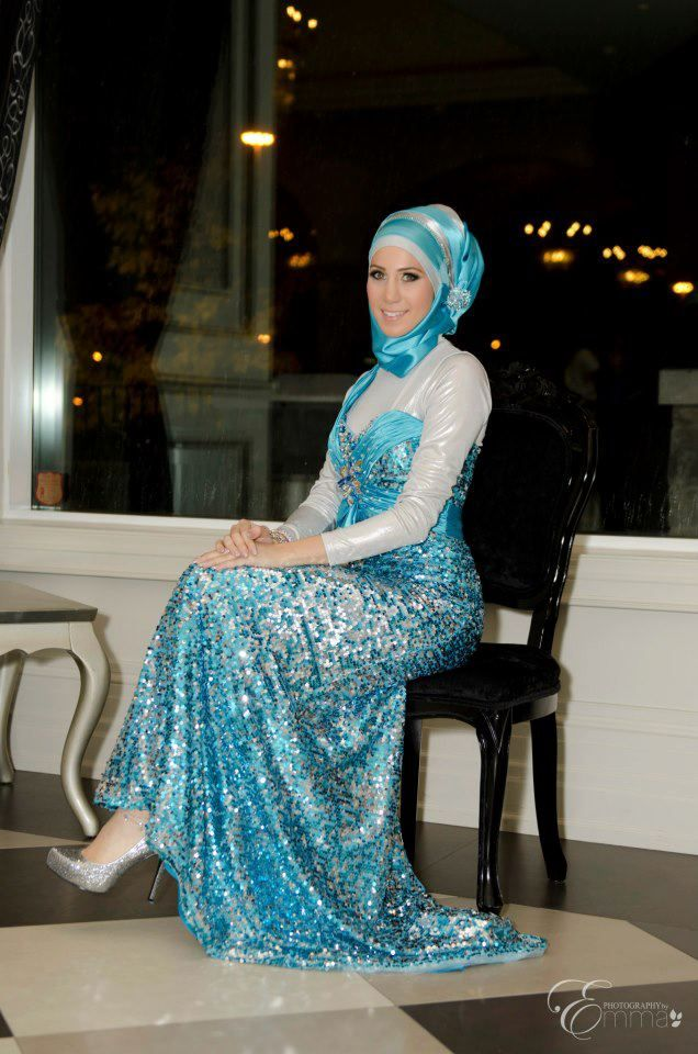 Sister of the bride, she cant hide in her glamorous blue and silver hijab style.   Instagram: hijabsbyhanan