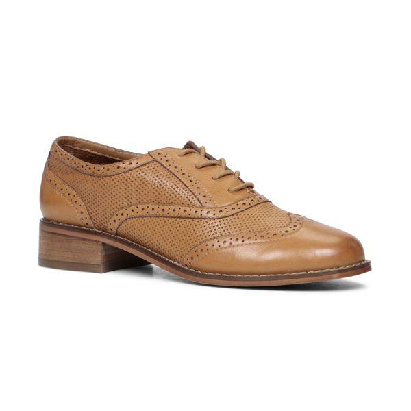14 chaussures masculines à talons plats - Châtelaine