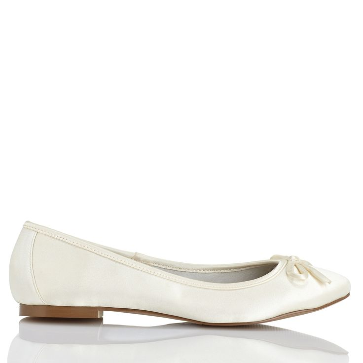 Zapato de novia de Menbur (ref. 5861) Bridal shoes by Menbur (ref. 5861)