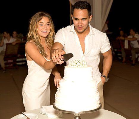 Alexa Vega and her new husband Carlos Pena, Jr. cut their wedding cake on Jan. 4, 2014. I'm so happy for them.