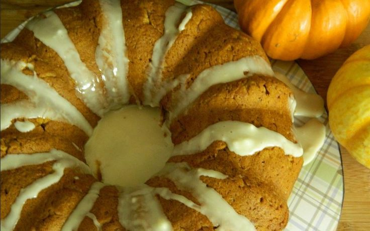 Two Ingredient Cake–Spice Cake Mix and Pumpkin Puree – Healthy To Fit