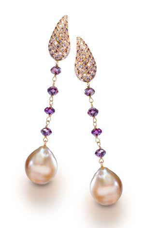 Yvel's 18-karat yellow gold earrings with baroque golden South Sea pearls and natural rough cognac diamonds #precious_posts @PreciousPosts