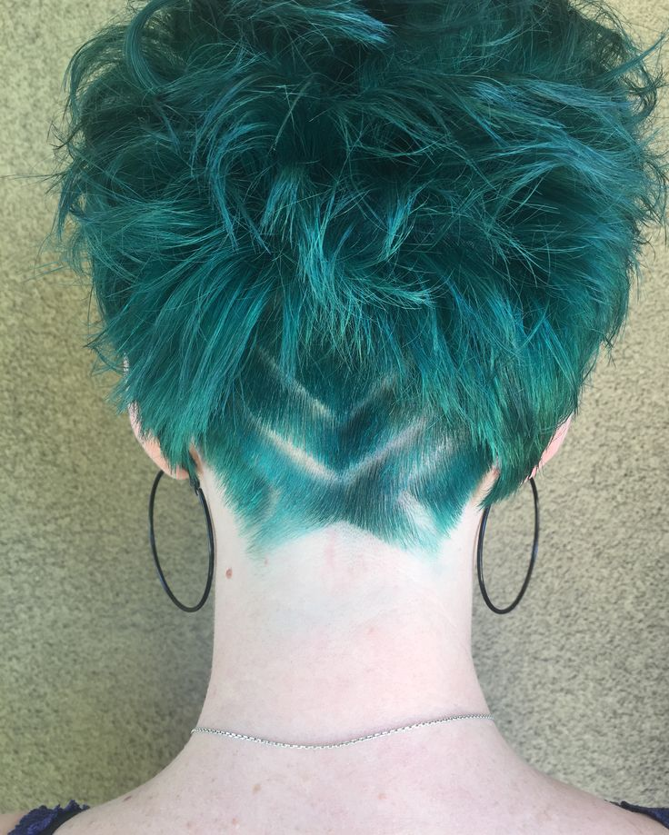 Undercut on short teal hair!