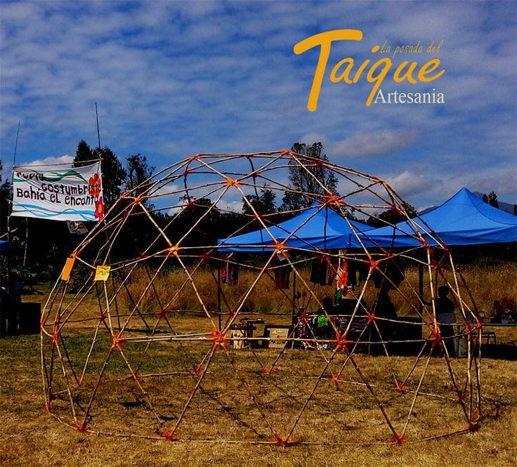 Domo Geodésico con Conectores hecho de Quilas (Bambú Chileno) expuesto en la Feria Costumbrista de El Encanto, Lago Rupanco - Puyehue