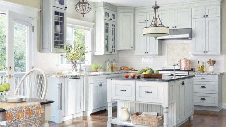 Walking down the paint aisle at the home improvement store can be overwhelming. With so many paint chips to choose from, where do you start? Let us help you whittle down the choices with our picks for the best kitchen color palettes.