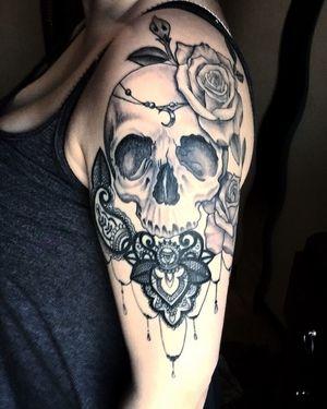 Tatuajes De Calavera Para Mujeres Que No Le Temen A La Elegancia